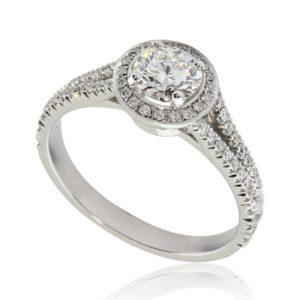 Bague de fiançailles en or blanc 18k, 0.50 H VS2 taille Excellente, halo et anneau pavé, taille 52. Halo et épaules serties 58 diamants H/SI total 0.31 carats.