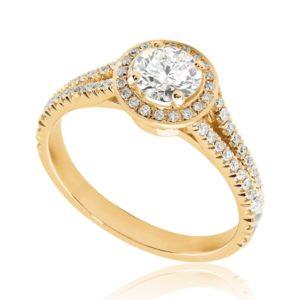 Majestueuse : Bague de fiançailles en or rose 18k, halo sur anneau fendu et pavé. Halo et épaules serties 58 diamants G/VS total 0.29 carats.