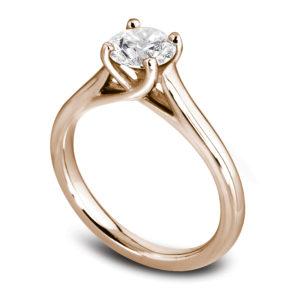 Raffinée : Solitaire diamant en or rose 18k, cathédrale et quatre griffes en treillis. Production et livraison en 18 à 4 jours ouvrés.