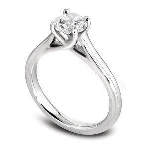 Raffinée : Solitaire diamant en platine, cathédrale et quatre griffes en treillis. Production et livraison en 18 à 4 jours ouvrés.
